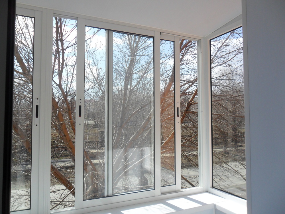 Алюминиевое раздвижное окно 3